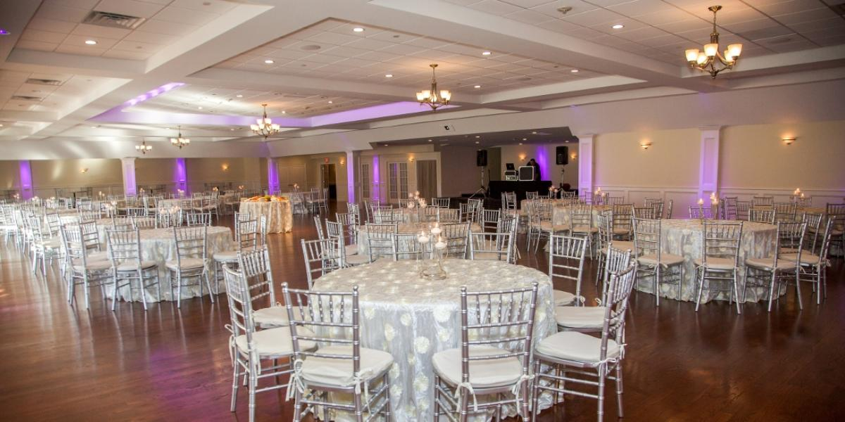 Canoe club ballroom weddings get prices for wedding for Outdoor wedding venues ma