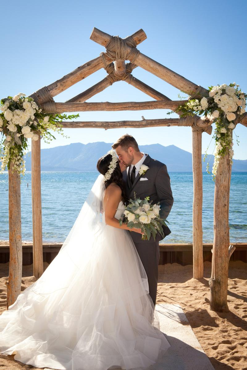 Lake Tahoe Resort Hotel Weddings | Get Prices for Wedding ...