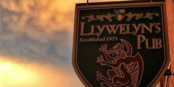 Llywelyns Pub St Charles Weddings Get Prices For