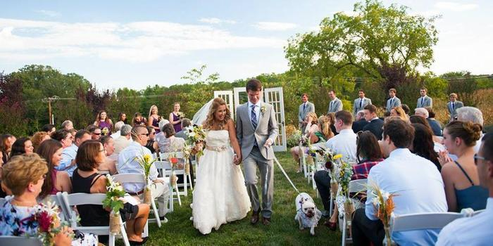 Flora Corner Farm wedding venue picture 10 of 16 - Photo by: Michelle VanTine Photography
