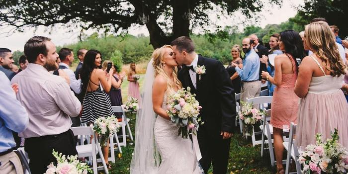 Flora Corner Farm wedding venue picture 2 of 16 - Photo by: Dawn Victoria Photography