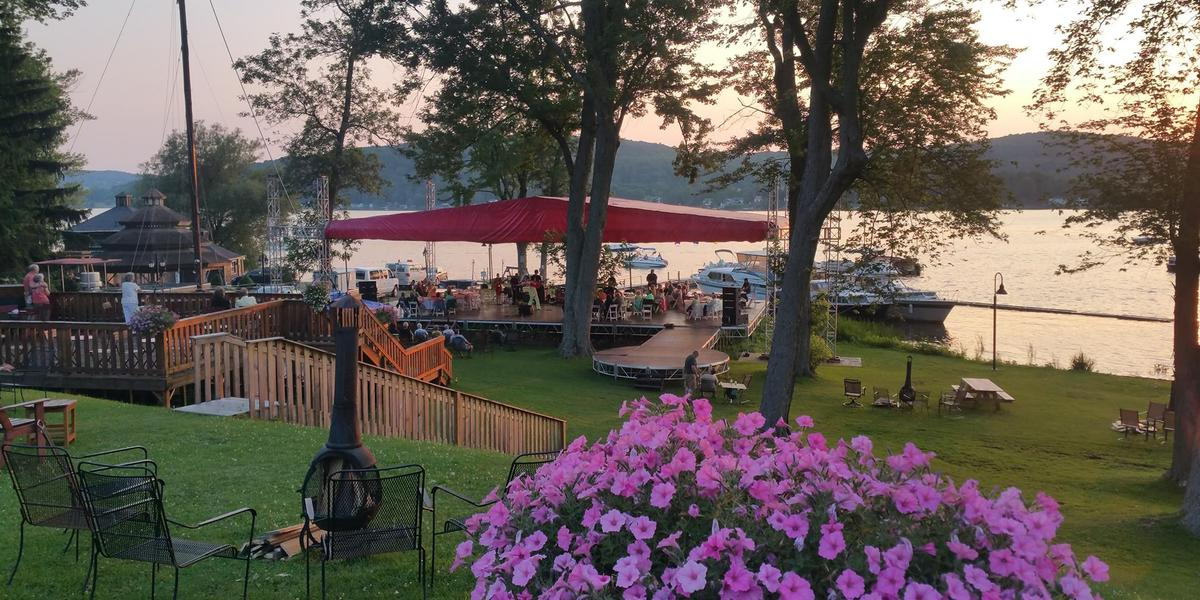 Cooperstown lake house weddings get prices for wedding for Lake house upstate ny