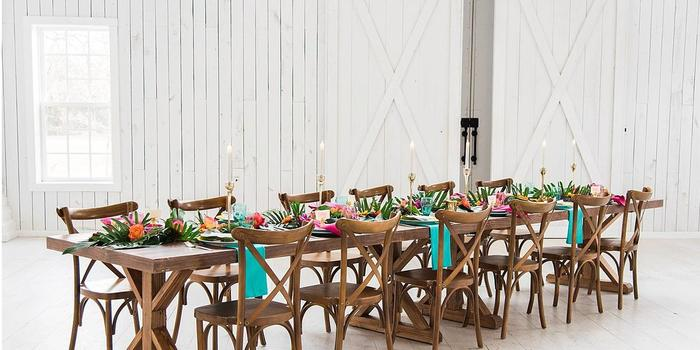 The White Sparrow Barn Weddings   Get Prices for Wedding ...