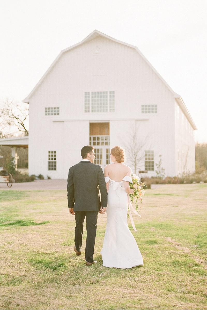 The White Sparrow Barn Weddings | Get Prices for Wedding ...