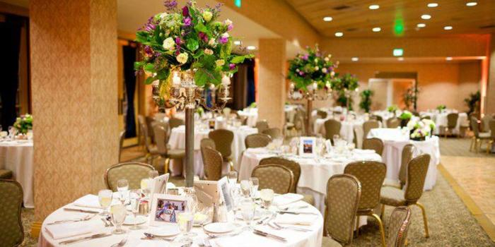 Crowne Plaza Redondo Beach and Marina Hotel wedding venue picture 10 of 16 - Photo by: Figlewicz Photography