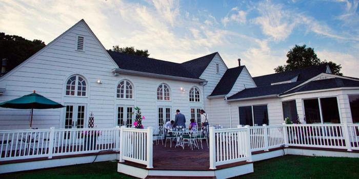 Old Field Club wedding venue picture 8 of 16 - Photo by: Turn Loose the Art Photography