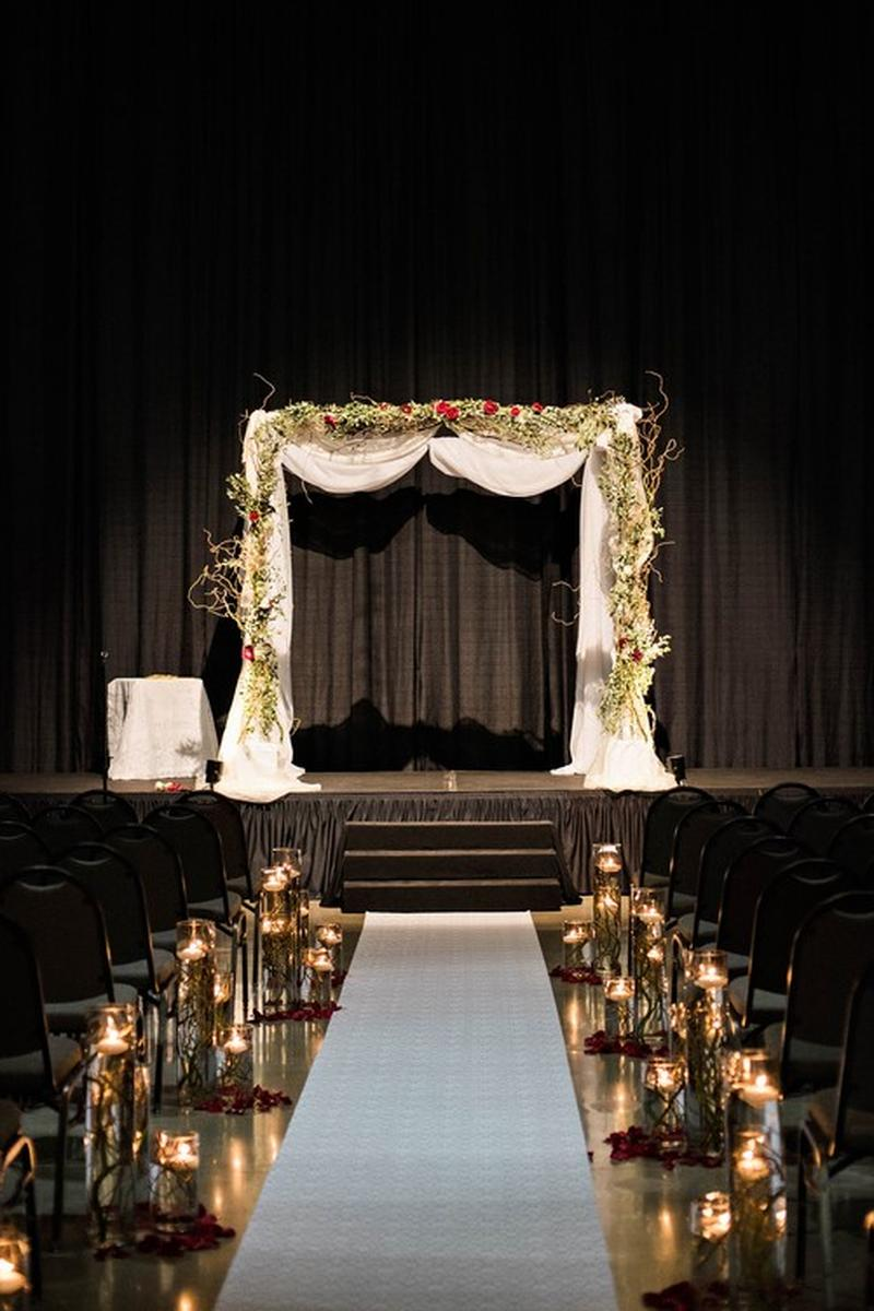Oakley Lindsay Center Weddings   Get Prices for Wedding ...