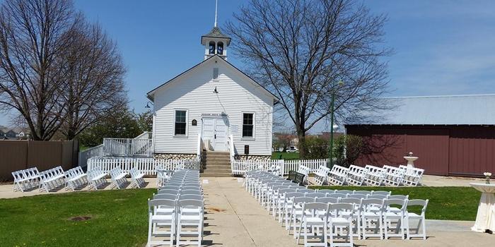 Hoosier Grove Barn Weddings | Get Prices for Wedding ...