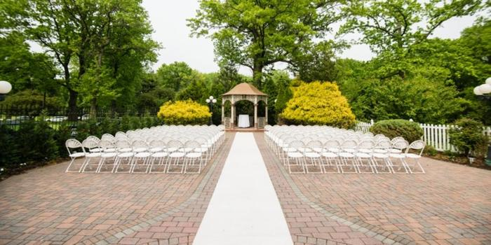 Grand Oaks wedding venue picture 6 of 16 - Photo by: J&R Photography