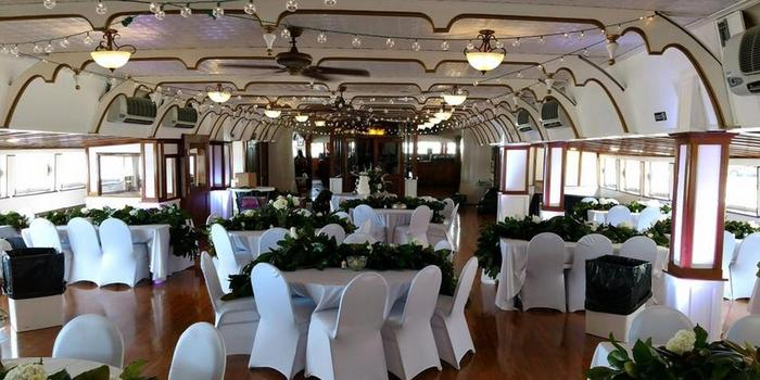 Get Prices For Wedding Venues In Me: Belle Of Louisville Riverboats Weddings