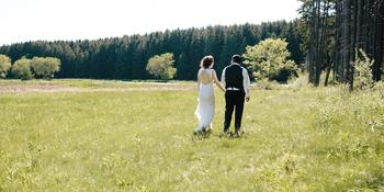 Glacier Hills County Park weddings in Hubertus WI