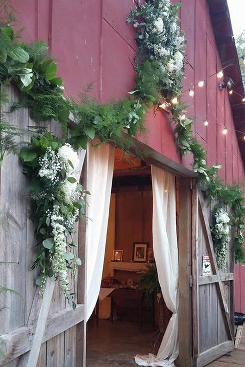 Kenny's Barn Weddings | Get Prices for Wedding Venues in AL