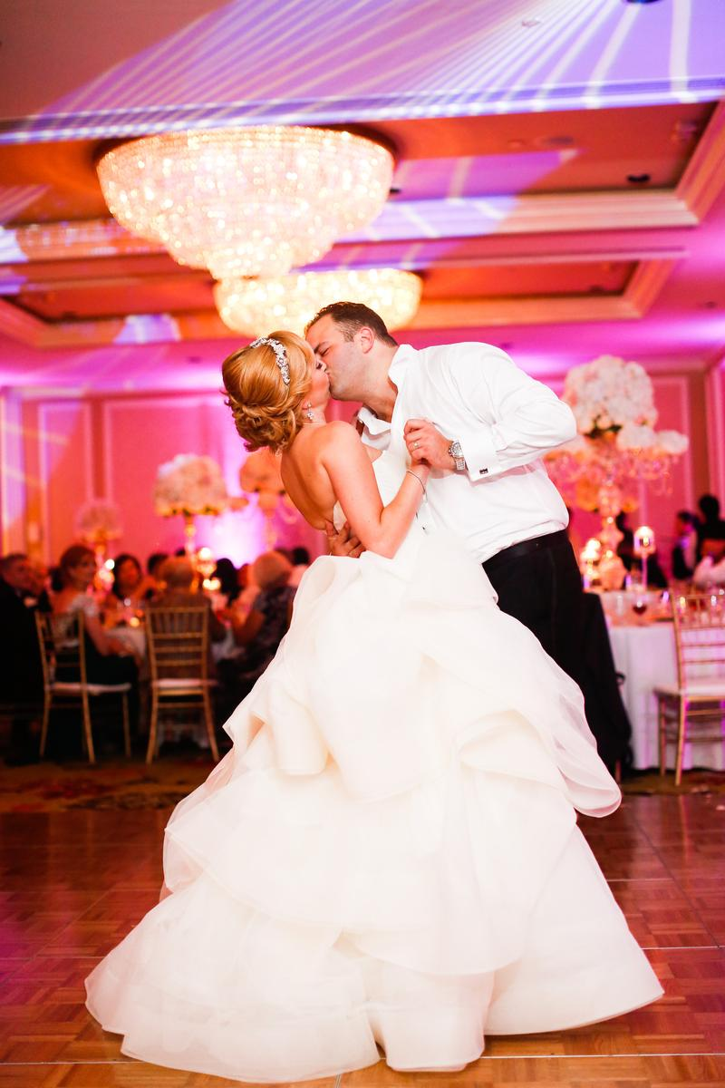 Glen Cove Mansion wedding venue picture 13 of 16 - Photo by: Jona Images