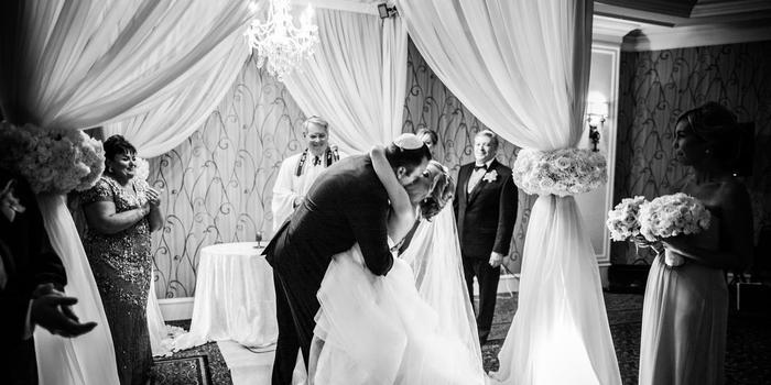 Glen Cove Mansion wedding venue picture 9 of 16 - Photo by: Jona Images