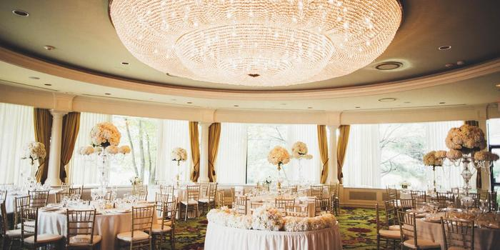 Glen Cove Mansion wedding venue picture 10 of 16 - Photo by: Jona Images