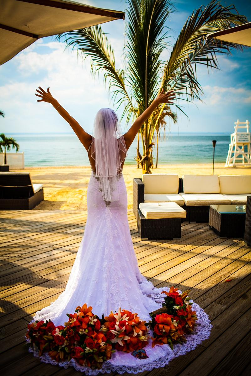 The Crescent Beach Club Weddings Get Prices For Wedding