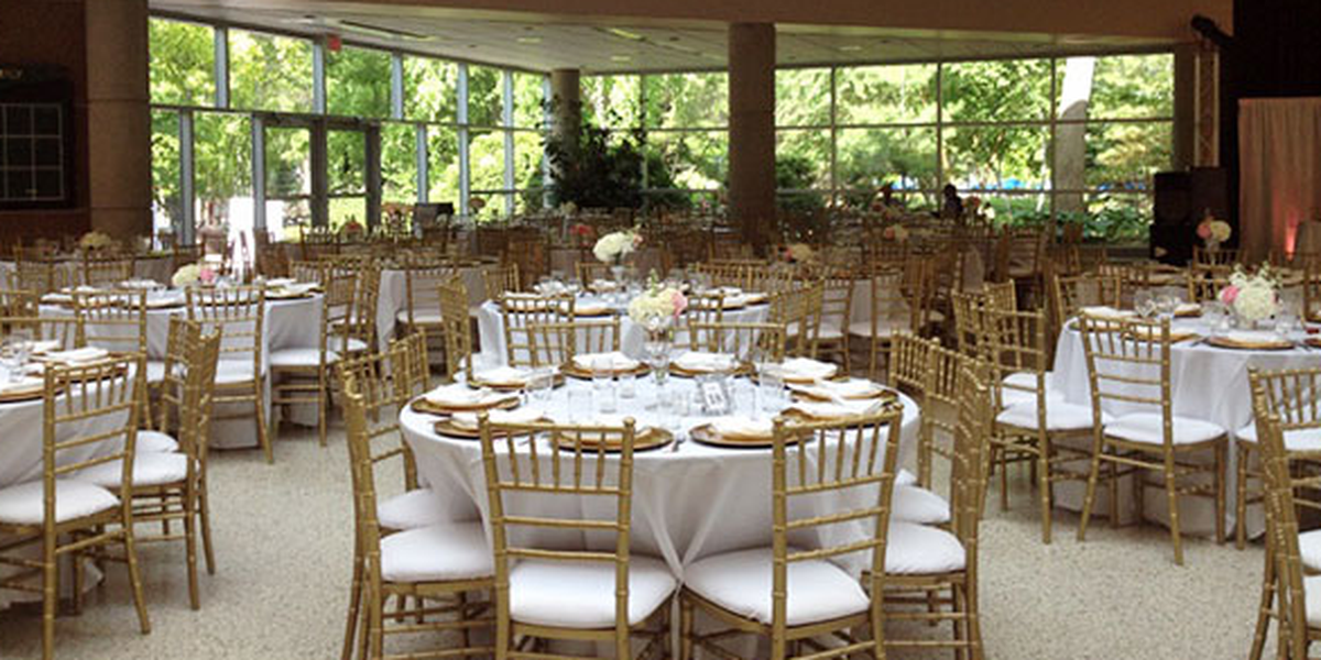 Milwaukee County Zoo Weddings | Get Prices For Wedding Venues In WI