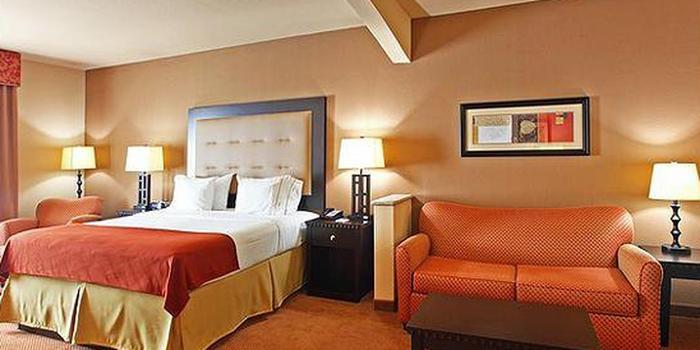 Holiday Inn Express Suites Van Buren Ft Smith Area Wedding Venue Picture 4 Of 6