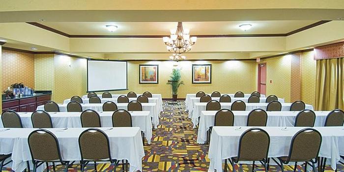Holiday Inn Express Suites Van Buren Ft Smith Area Wedding Venue Picture 2 Of 6