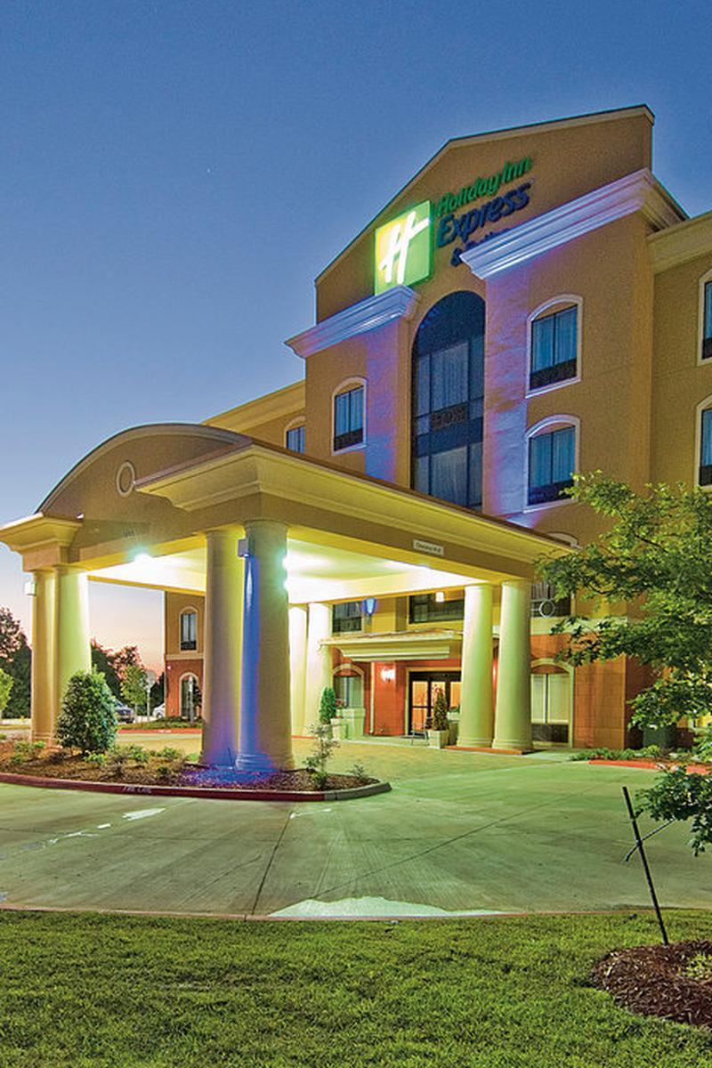 Holiday Inn Express Suites Van Buren Ft Smith Area Wedding Venue Picture 5 Of 6