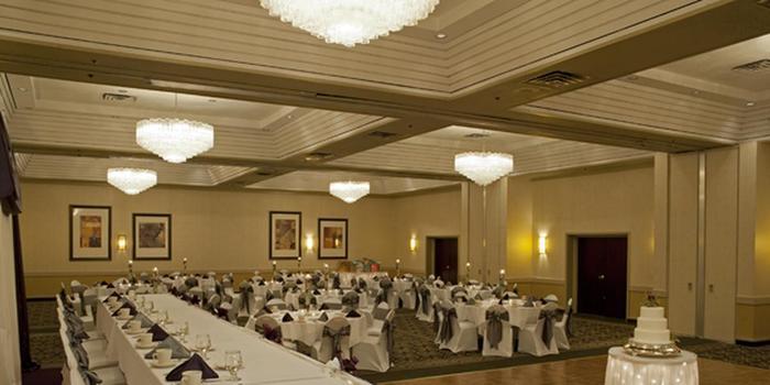 crowne plaza grand rapids airport weddings get prices. Black Bedroom Furniture Sets. Home Design Ideas