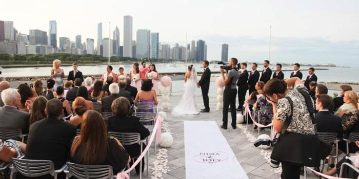 Shedd Aquarium wedding venue picture 3 of 16 - Photo by: Robyn Rachel Photography