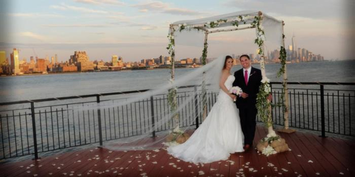 Chart House Weehawken wedding venue picture 7 of 16 - Photo by: Dean Michaels Studio Photography