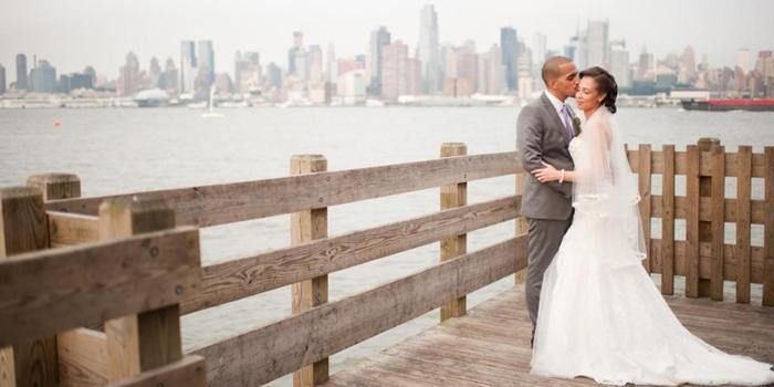 Chart House Weehawken wedding venue picture 11 of 16 - Photo by: J & R Photography
