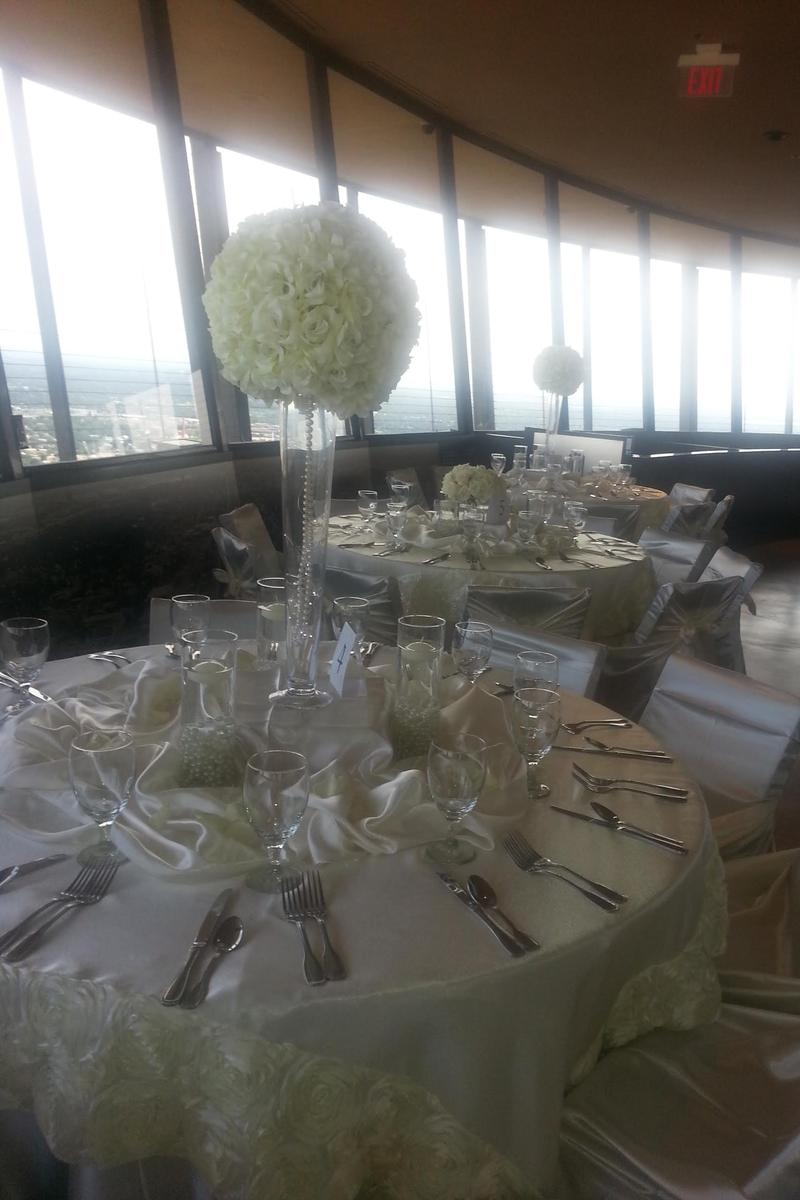 Chart House - Tower of the Americas wedding venue picture 9 of 16 - Provided by: Chart House Tower of America