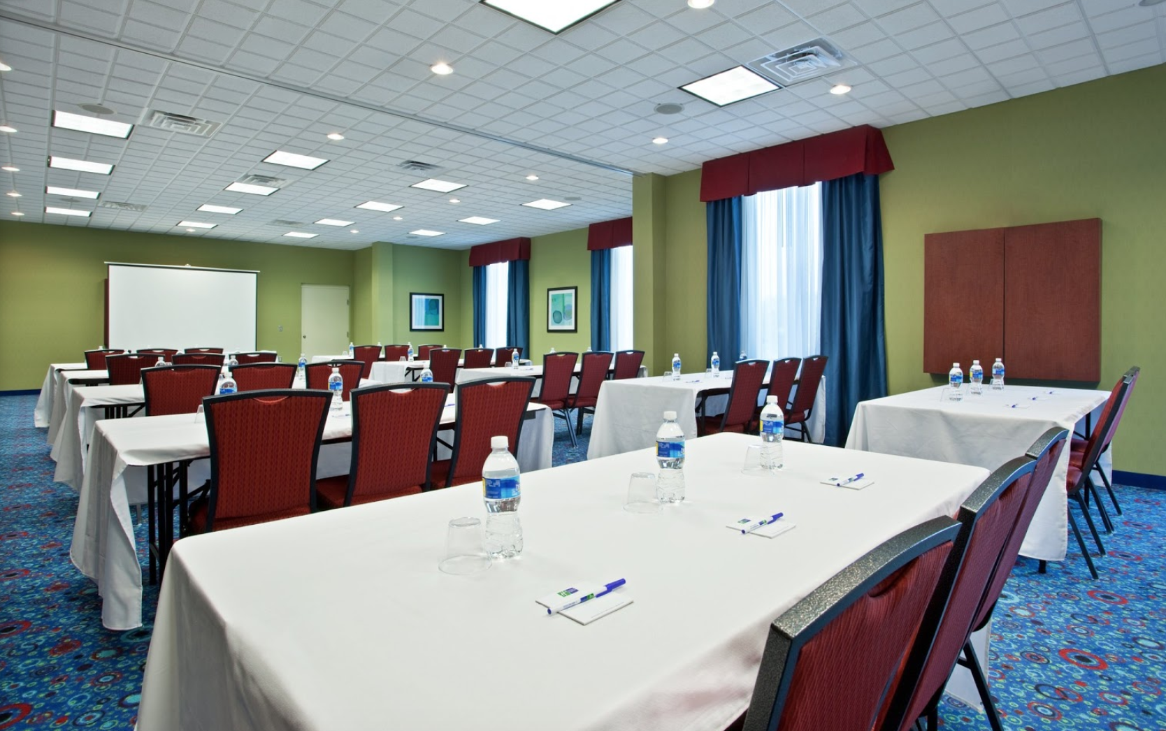 Holiday Inn Express In Akron South Green Venue Akron