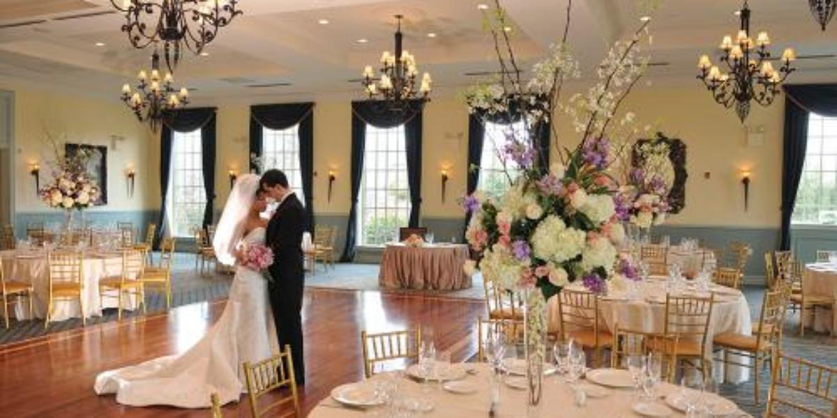 Dyker beach golf course weddings get prices for wedding for Beach weddings in ny