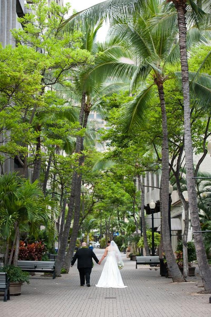The Plaza Club Oahu Weddings