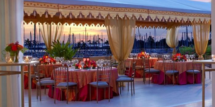 The Modern Honolulu Weddings