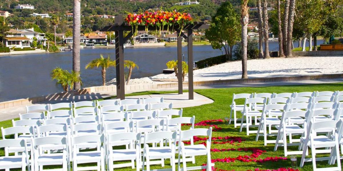 Lakehouse Hotel And Resort Weddings