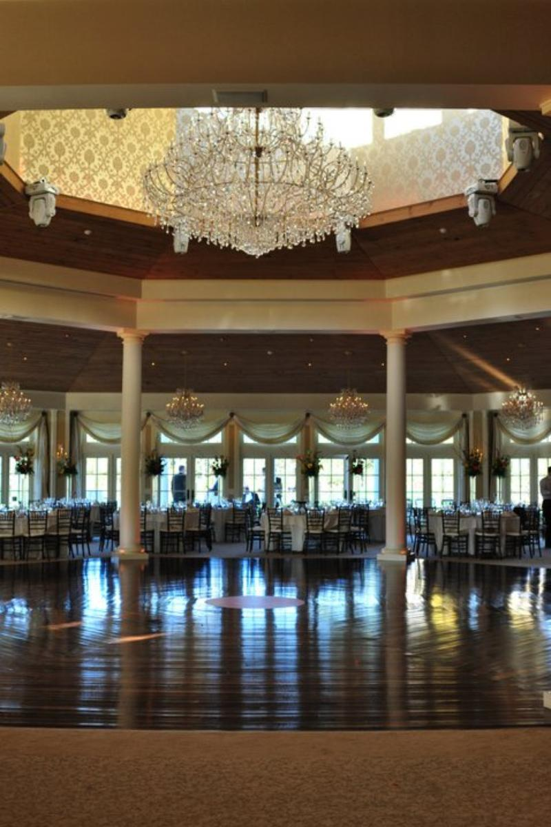 The lazy swan golf and country club village weddings for Unusual wedding venues nyc