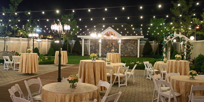 Antun 39 s of queens village weddings get prices for for Outdoor wedding new york