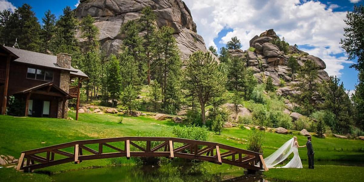 Black canyon inn weddings get prices for wedding venues for Places to have a wedding in colorado
