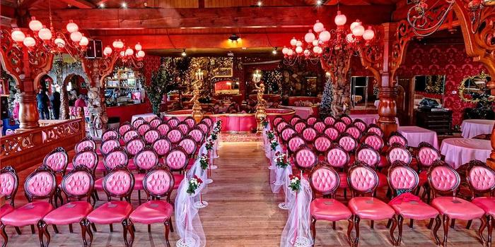 Madonna Inn Weddings | Get Prices for Wedding Venues in CA