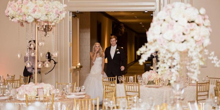 The Houstonian Hotel Club & Spa wedding venue picture 12 of 16 - Photo by: J. Cogliandro Photography