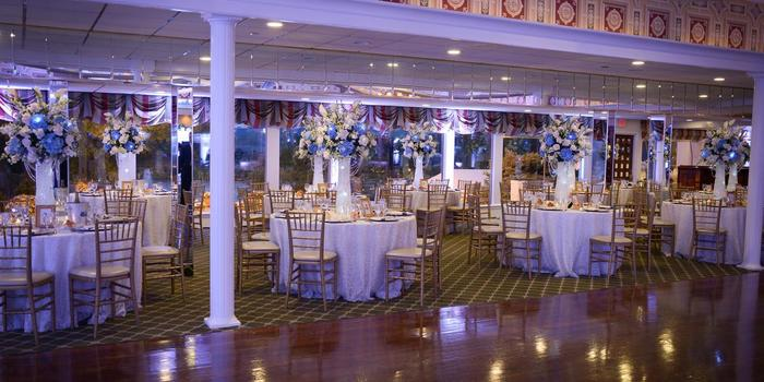 Swan Club wedding venue picture 11 of 16 - Photo by: The Glenmar Studio
