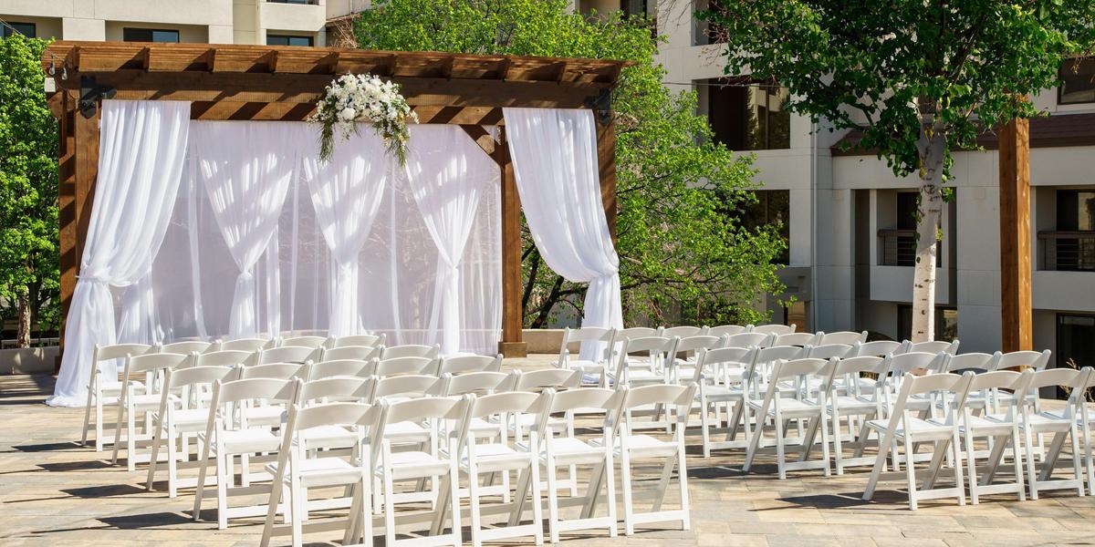 DoubleTree by Hilton Colorado Springs Weddings