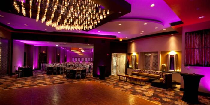 Renaissance Boston Patriot Place Hotel Wedding Venue Picture 2 Of 12 Photo By Groove