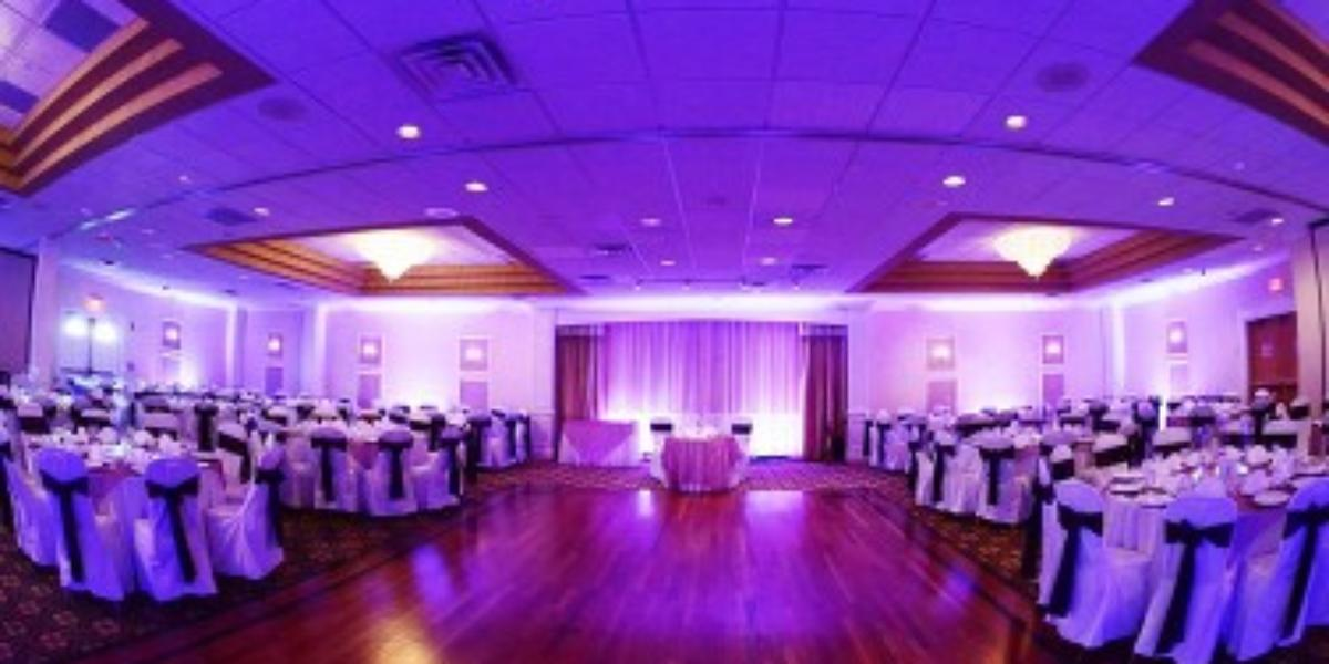 Clarion Hotel Amp Conference Center Weddings