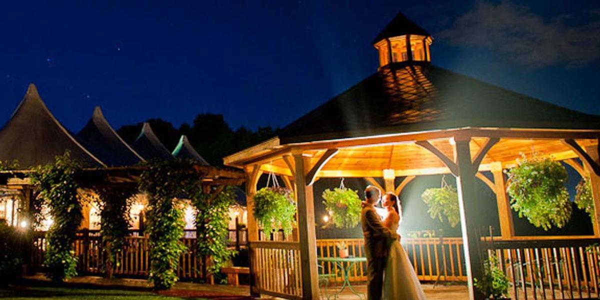 Zukas Hilltop Barn Weddings | Get Prices for Wedding ...