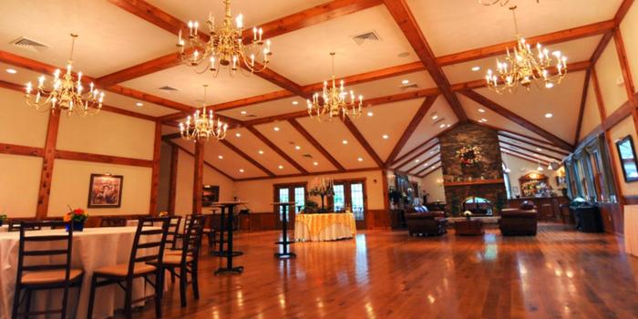 Zukas Hilltop Barn Weddings Get Prices For Wedding