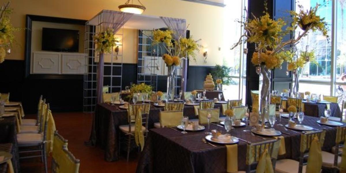 310 Lakeside Weddings