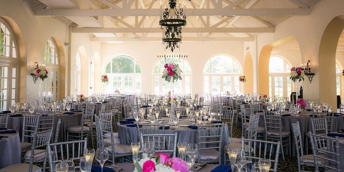 Get Prices For Wedding Venues In: Ravisloe Country Club Weddings