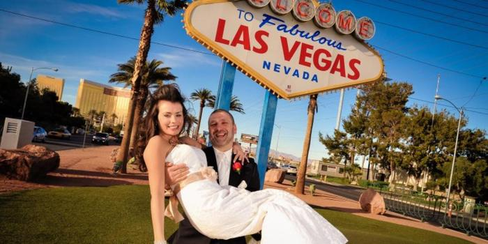 Welcome to Vegas Sign Weddings wedding venue picture 16 of 16 - Provided by: Welcome to Vegas Sign Weddings