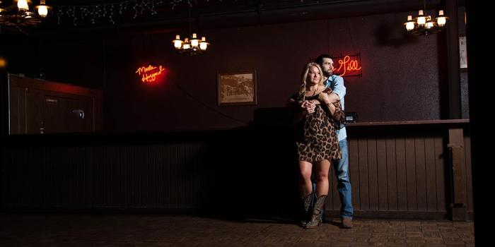 Billy Bob's Texas wedding venue picture 16 of 16 - Photo by: Shaun Saunders Photography