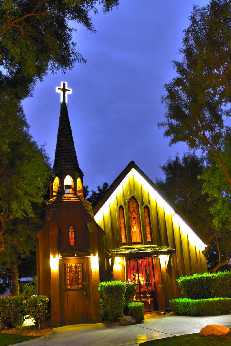 Little church of the west wedding chapel weddings for Little las vegas